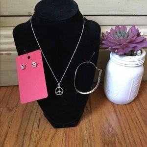 Jewelry - 3 piece silver/peace sign set